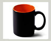 orange-matter-becher-schwarz-matt-innen-orange